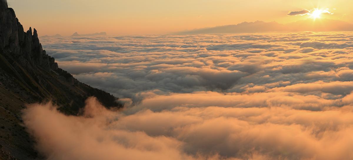 mer de nuages d'été